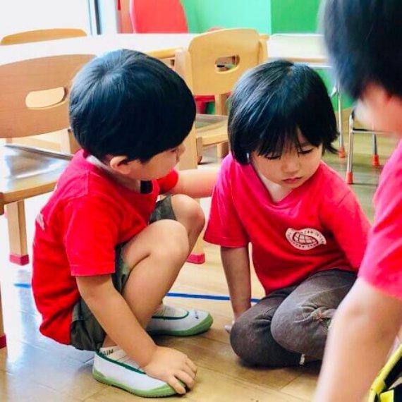 思いやりの優しい心 – 幼児期の心の発達